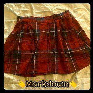 🆑️ FREE! Plaid Old Navy Schoolgirl Skirt Size M